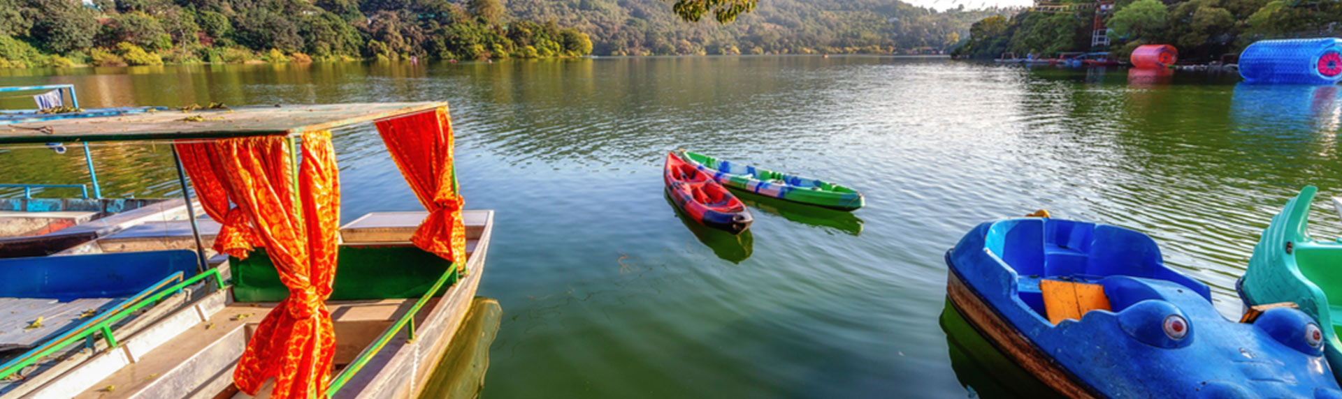 Boating in Naukuchiatal lake Uttarakhand is one of the popular things to do and is famous for sightseeing places
